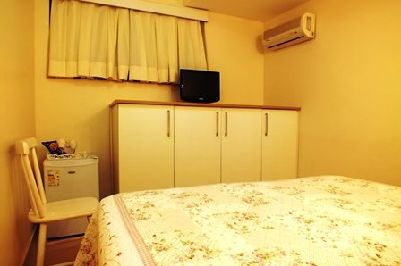 suite standard interna 4 para casal no videiras palace hotel em cachoeira paulista .