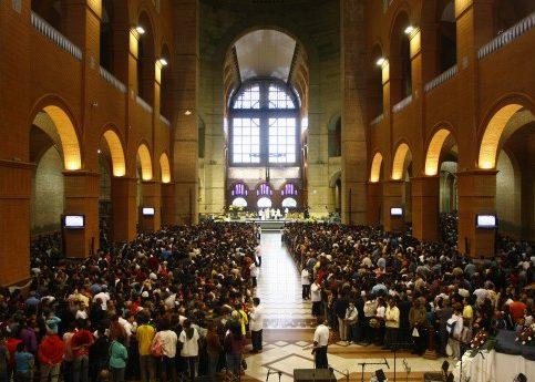 Foto Interna Basílica Aparecida .