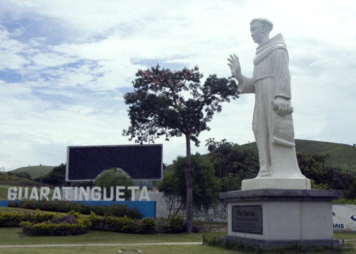 Estatua de Frei Galvão