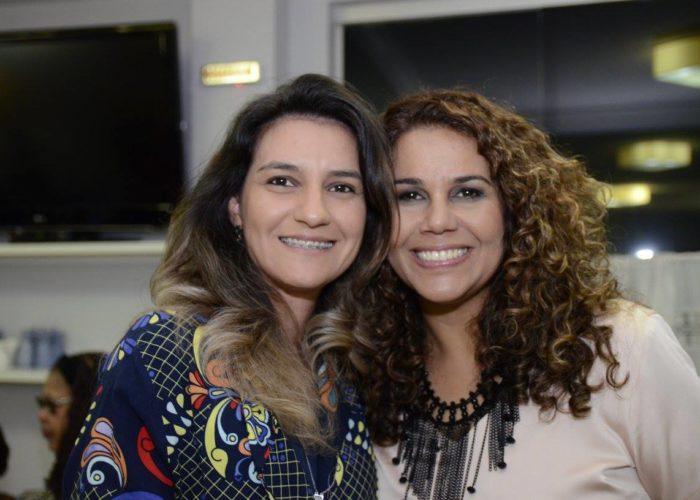 jantar acústico com Eliana Ribeiro no Videiras Palace Hotel.